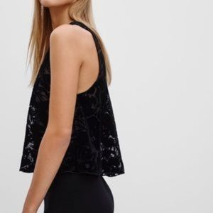 Aritzia Wilfred Octave Cropped Sleeveless Blouse